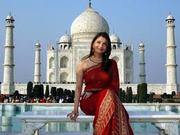 Enjoy watching Taj Mahal in same day Agra tour from Delhi